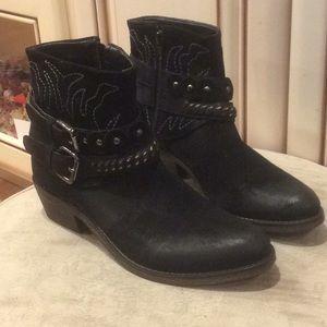 Rebels Berny black ankle booties Sz 6